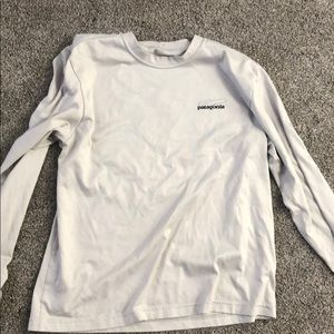 Men's light grey patagonia shirt